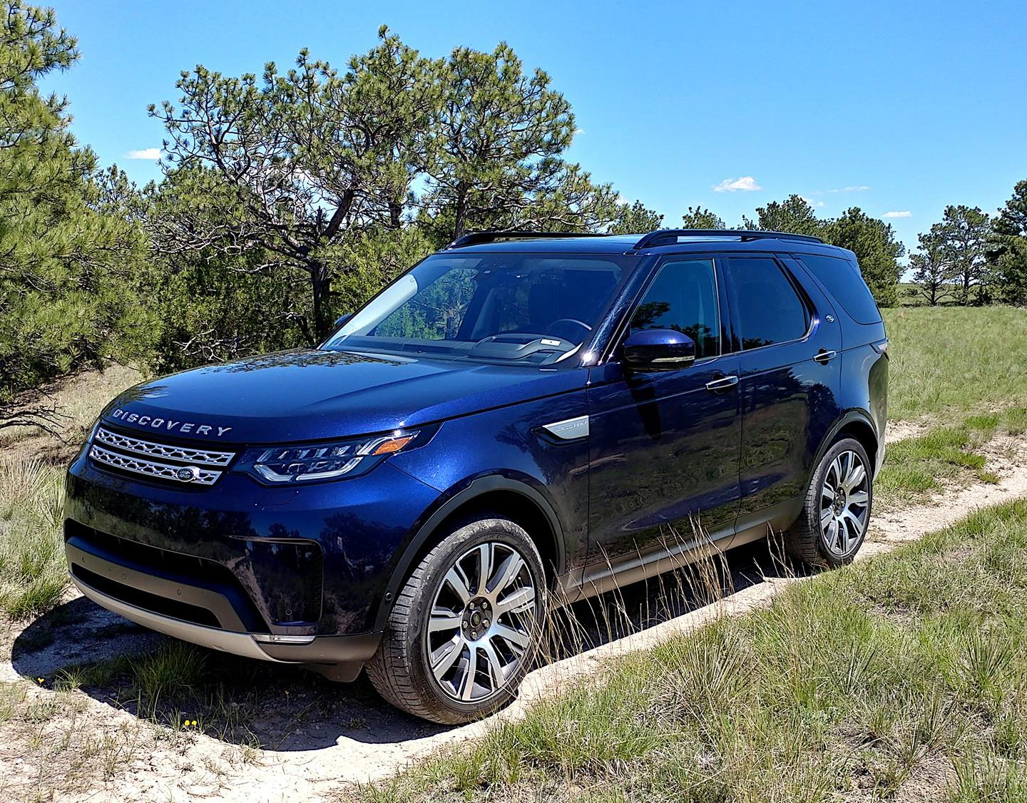 2019 Land Rover Discovery is Plush and Tumble