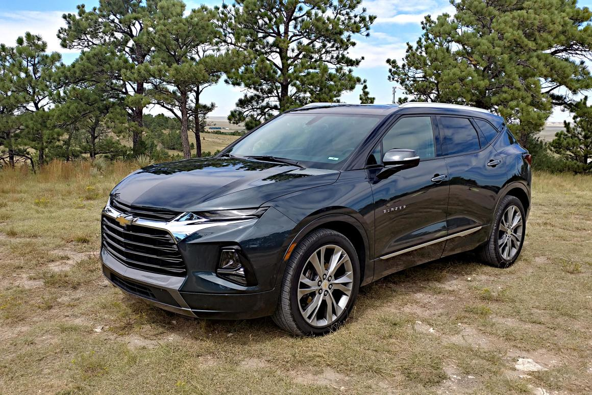 Review: 2019 Chevrolet Blazer has beauty, confidence, and buyer confusion