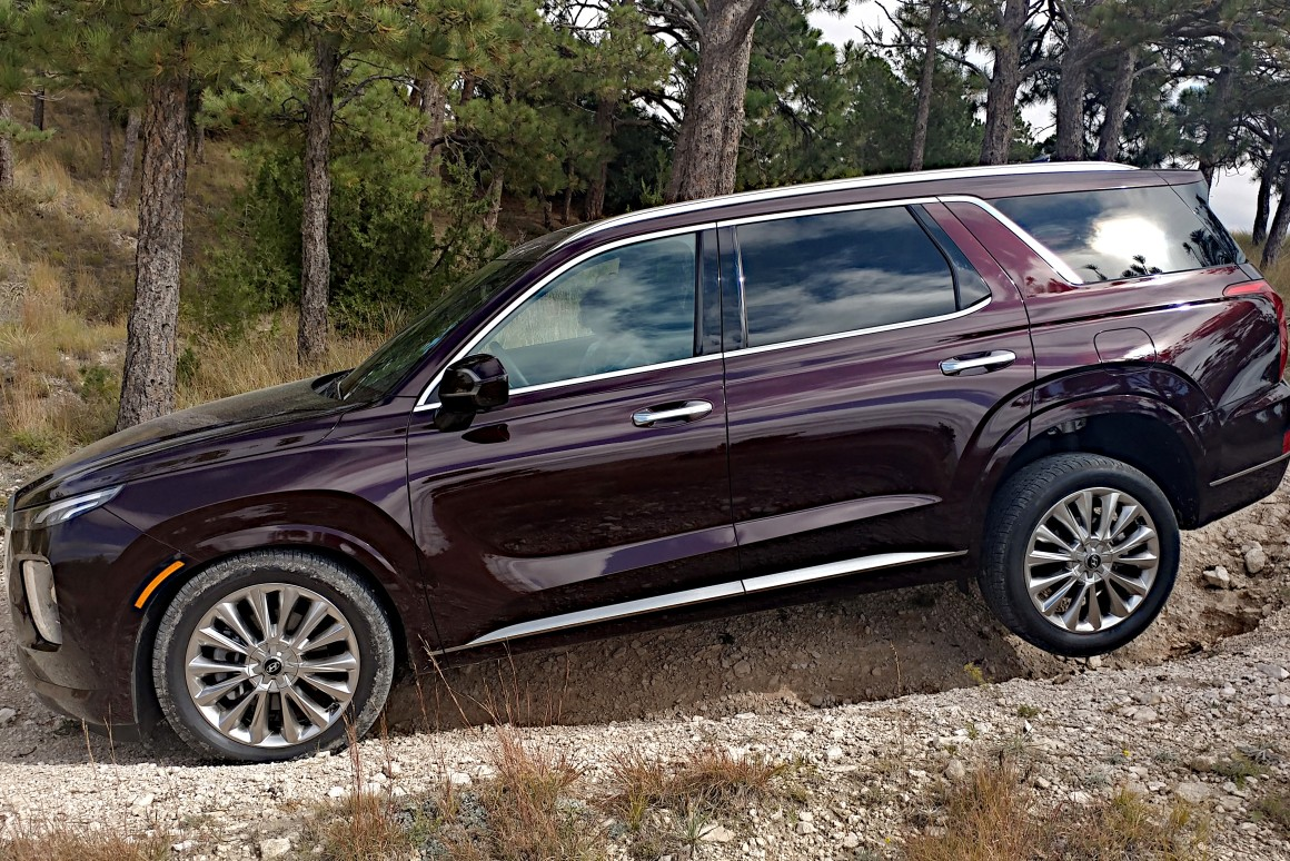 Review: 2020 Hyundai Palisade brings smarts to the 3-row table