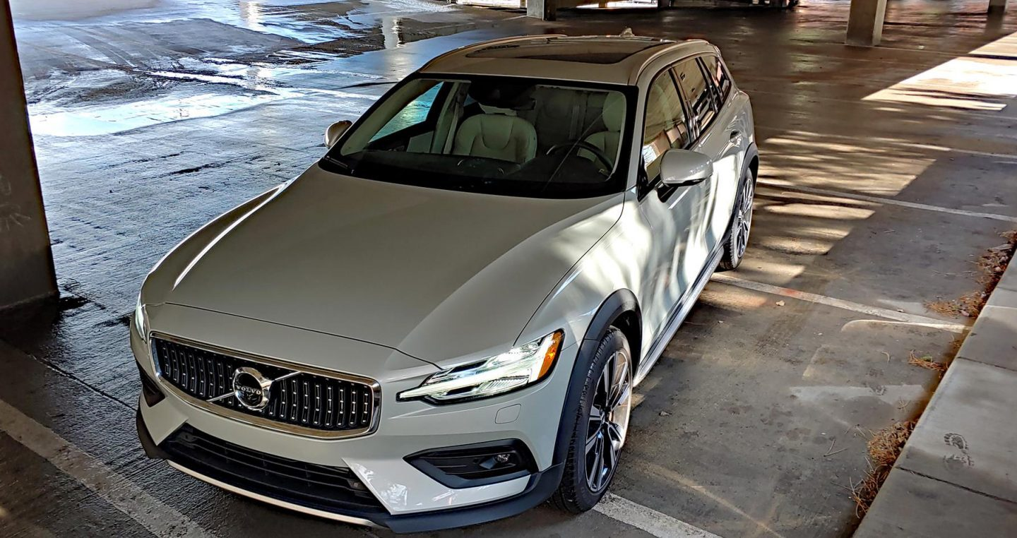Video Review: 2020 Volvo V60