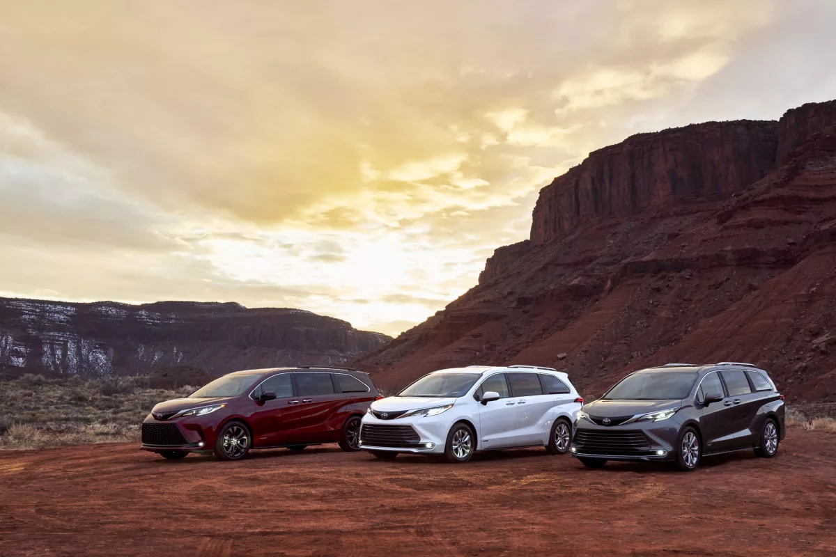 Toyota unveils all-new 2021 Sienna minivan as a hybrid