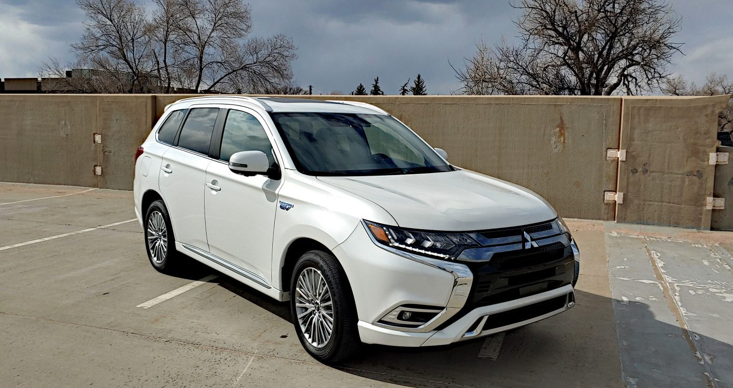 Video Review: 2020 Mitsubishi Outlander PHEV
