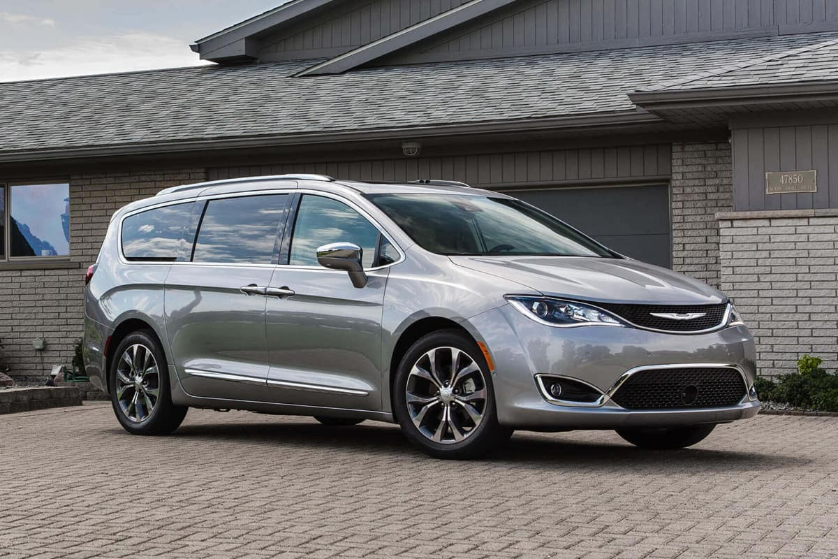 Video Review: 2020 Chrysler Pacifica Hybrid