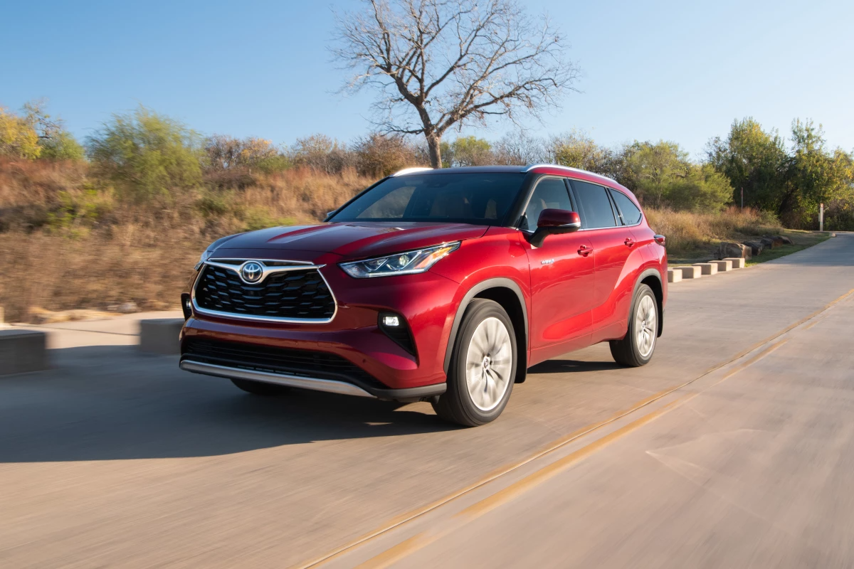 Review: 2020 Toyota Highlander Hybrid ups the ante by lowering output