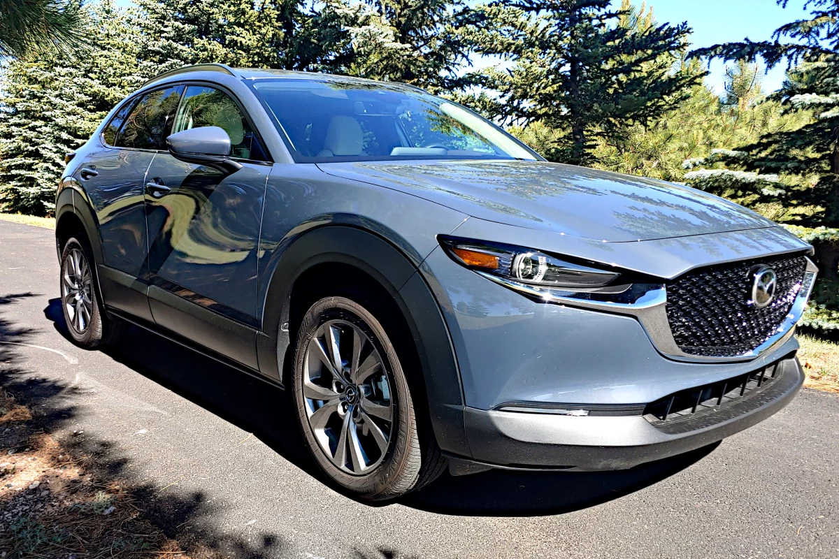 Review: 2020 Mazda CX-30 fits oddly, but feels great
