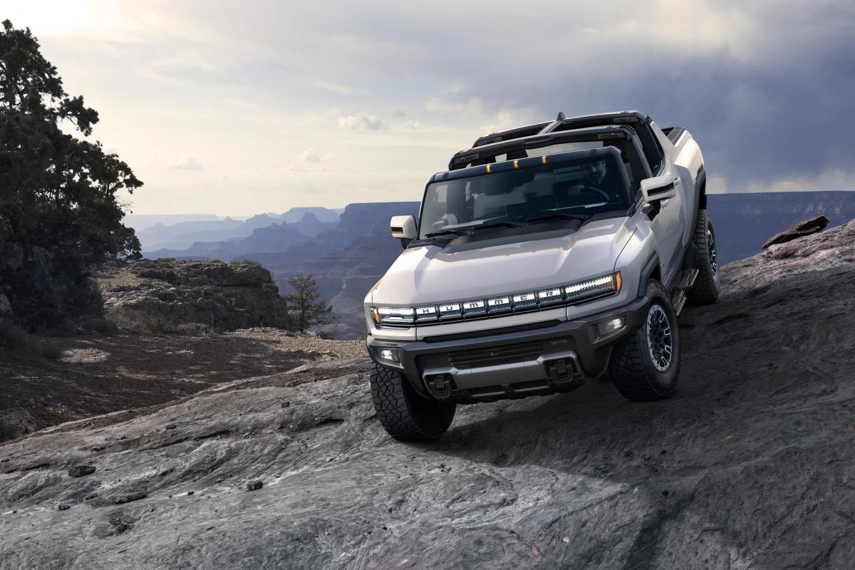 """GMC unveils """"world's first supertruck"""" – the Hummer EV"""
