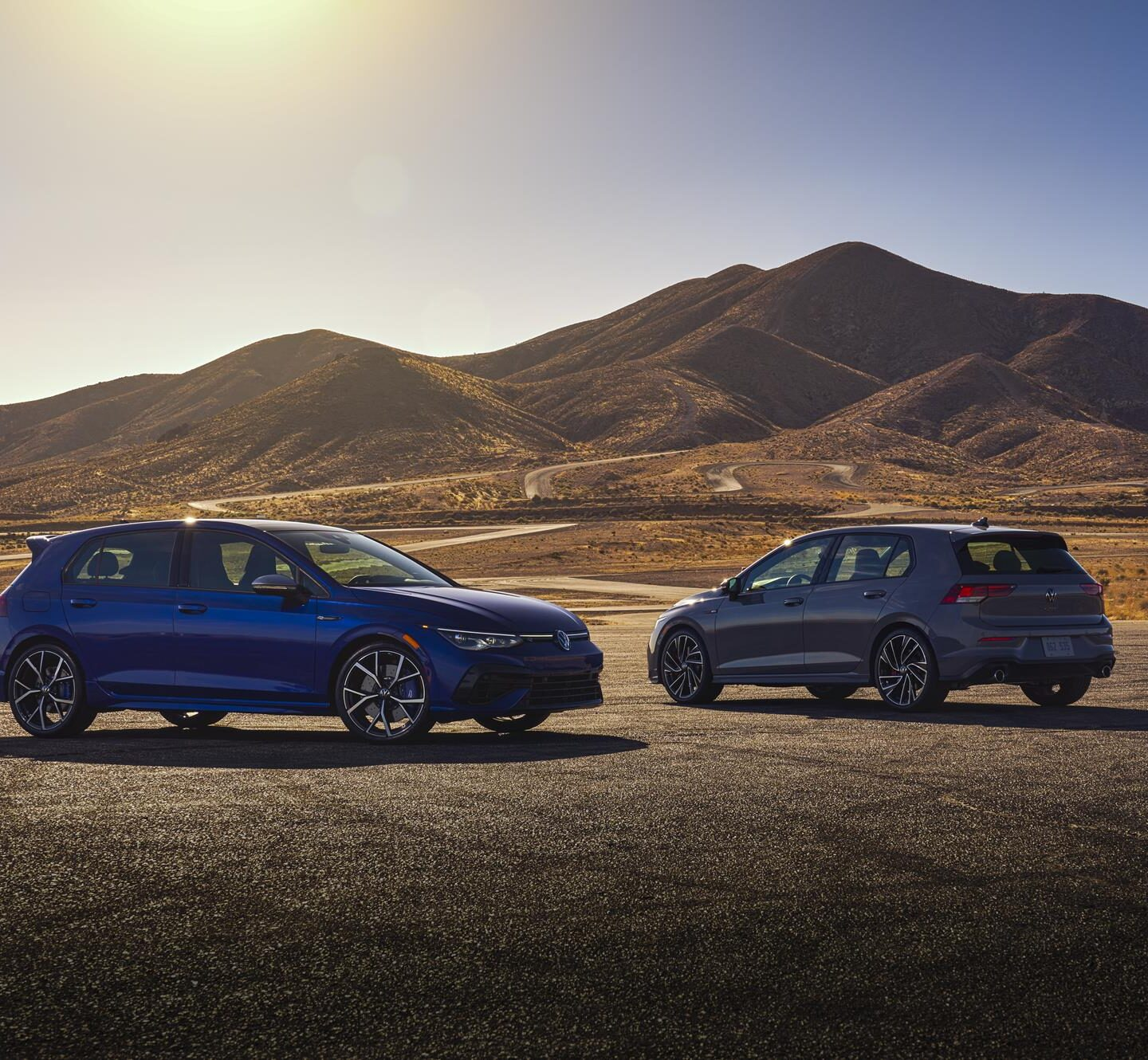 Volkswagen introduces new Golf GTI and Golf R at Chicago Auto Show