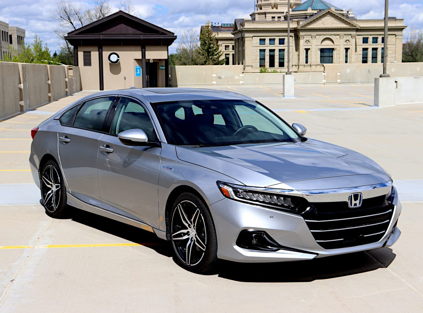 Review: 2021 Honda Accord Hybrid is, well, a hybrid Accord