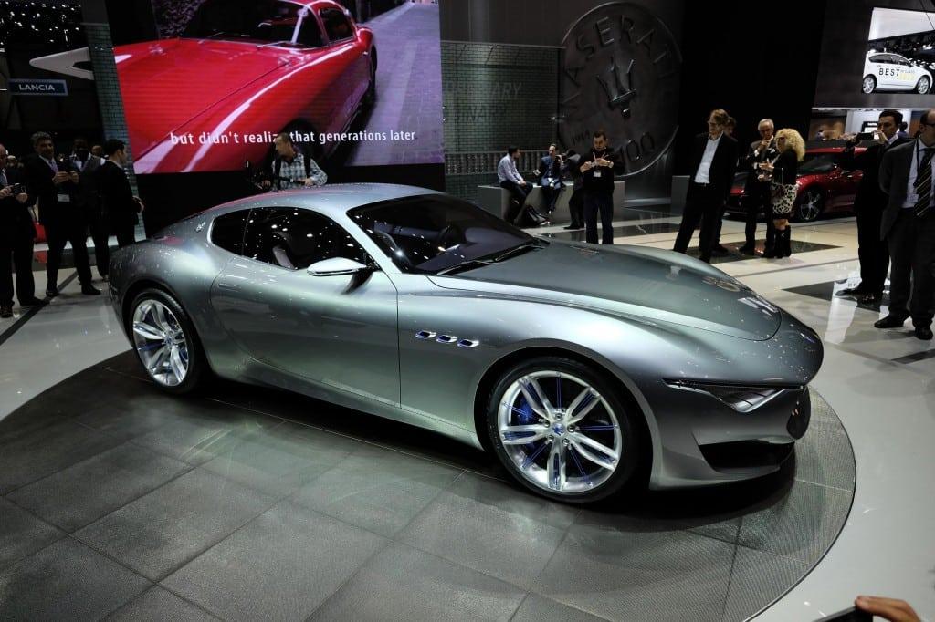 Maserati Alfieri concept coupe makes love in Geneva
