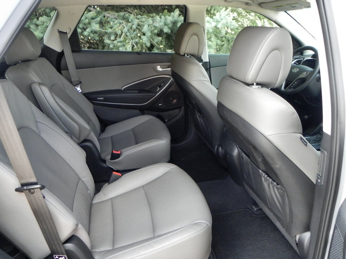 2015 Hyundai Santa Fe interior review