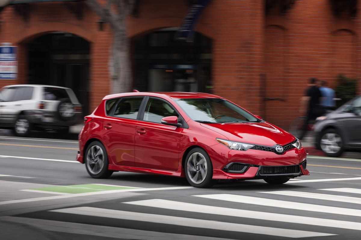 The 2016 Scion iM Redefines Hatchback for the Brand