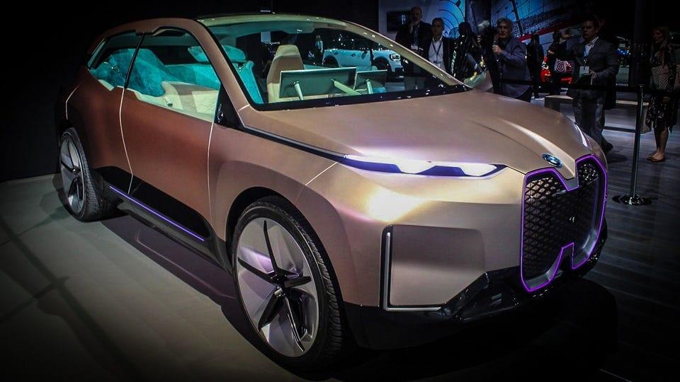 Otherworldly BMW Vision iNEXT makes public premiere in LA