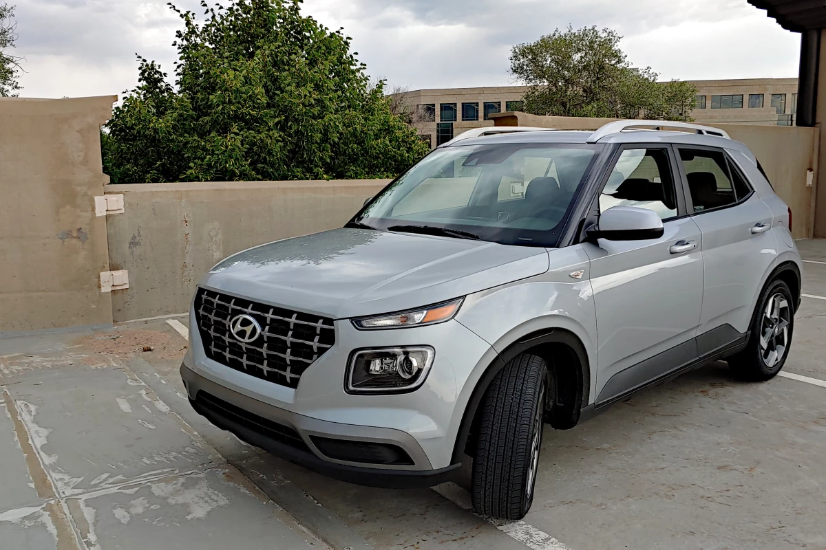Review: 2020 Hyundai Venue is new, small, and full of tech